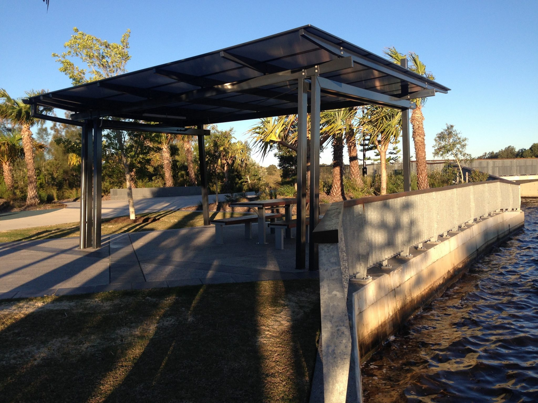 Eureka Brightwater Steel Shelter